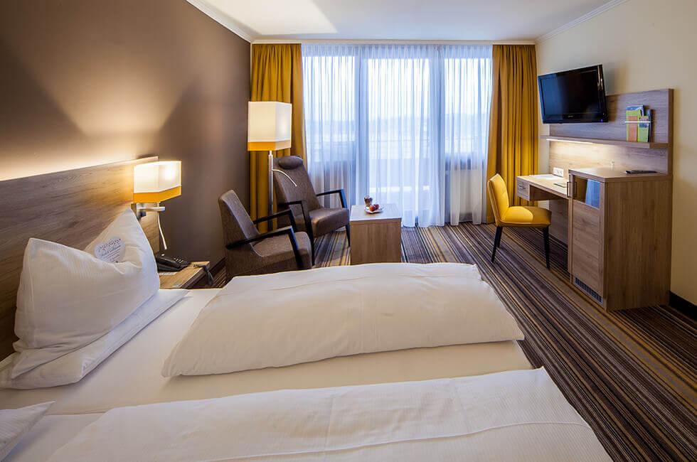 Große Zimmer mit Balkon für Ihren Hotelaufenthalt im Kurzentrum Weißenstadt
