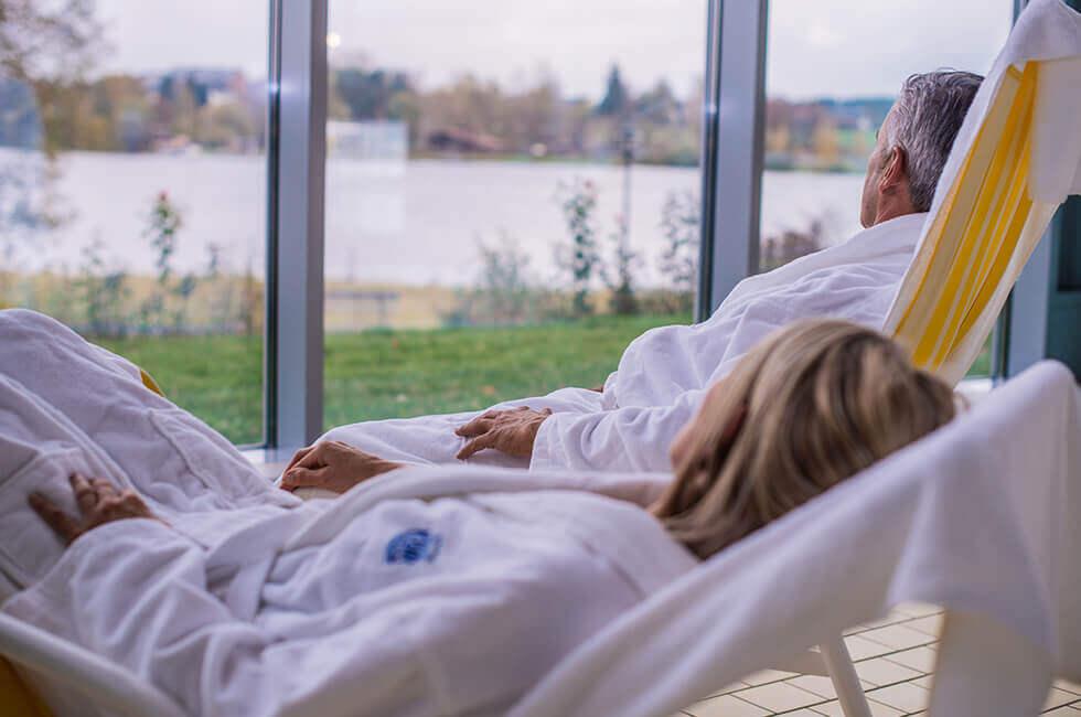 Erholung und Entspannung im Hotel-Schwimmbad während Ihres Urlaubs am Weißenstädter See