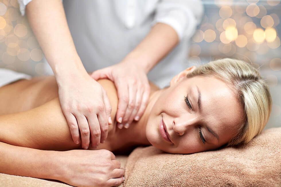 Wellness für Köper und Geist bei einer Massage im Gesundheitshotel