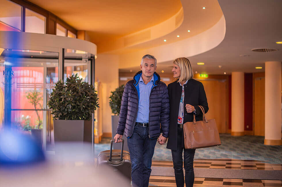 Ankommen zum entspannten und erholsamen Urlaub im 4-Sterne-Hotel in Bayern