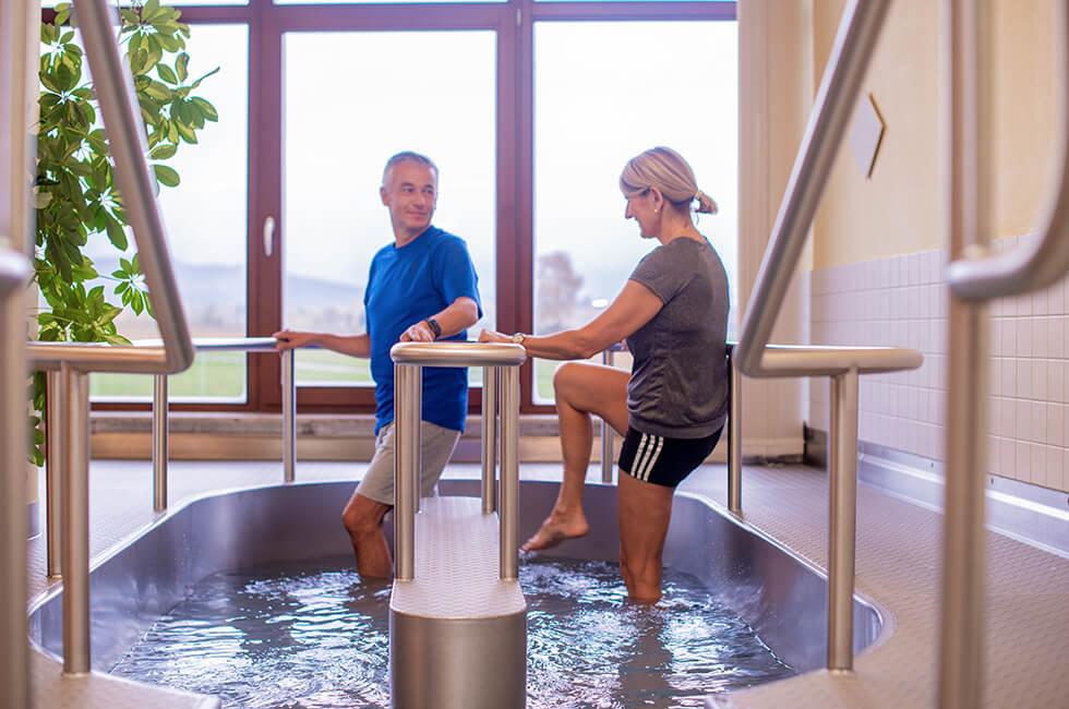 Radontherapie Wassertreten für Ihre Gesundheit während eines Kururlaubs